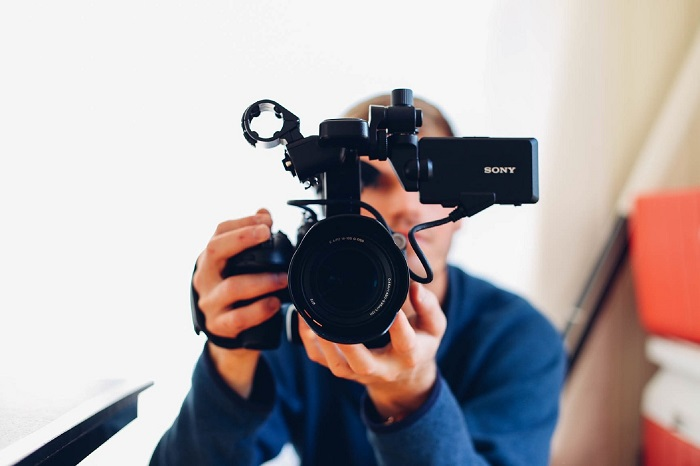 How to Choose the Best Camera for Vlogging
